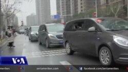 Ekipi i OBSH-së inspekton tregun në Wuhan