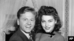 Miki Runi sa Avom Gardner (arhivski snimak , januar, 1942.)