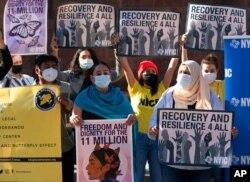امیگریشن کی پابندیوں کے خلاف نیویارک میں مظاہرہ۔ نومبر 2020