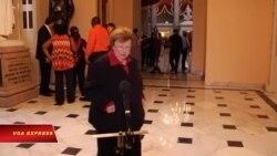 Dân biểu đảng Dân chủ 'ngồi lỳ' tại Hạ viện đòi có hành động về súng