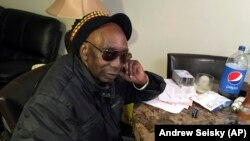 Zimbabwe-Exiled Musician