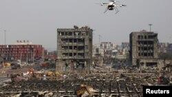 中国武警无人机查看天津爆炸现场