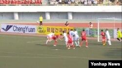 북한은 16일 평양 김일성경기장에서 열린 2018 러시아 월드컵축구대회 아시아 지역 2차 예선에서 우즈베키스탄에 4-2로 승리했다고 조선중앙TV가 보도했다.