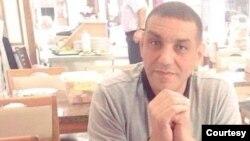 اکبر لکستانی، شهروند دو تابعیتی مقیم آمریکا