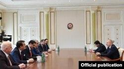 İlham Əliyev Türkiyə-Azərbaycan parlamentlərarası dostluq qrupunun üzvləri ilə görüşüb
