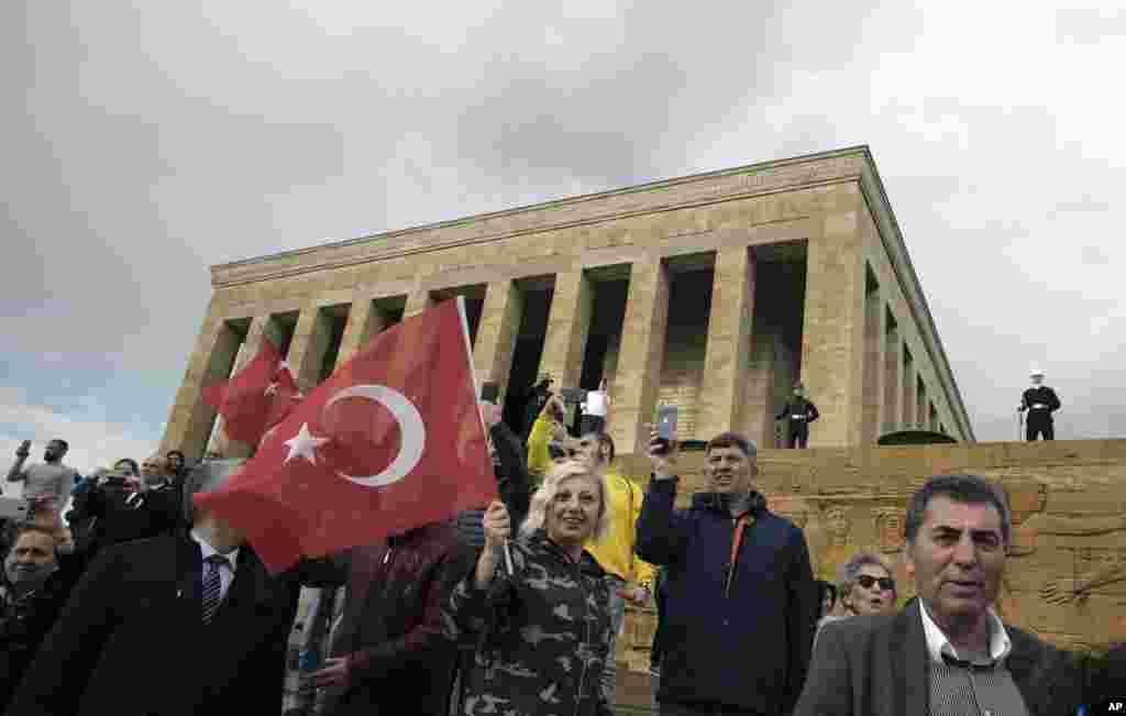 هنوز نتیجه انتخابات استانبول تایید نشده و بین حامیان اردوغان و مخالفان اختلاف است.