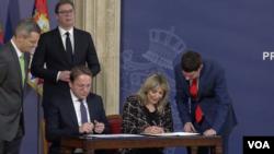 Oliver Varhelji i ministarka za evrointegracije Srbije Jadranka Joksimović potpisali su finansijski sporazum