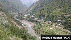 کشمیر سے گزرنے والا دریائے نیلم (فائل فوٹو)