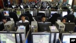 中国昆明的一家网吧。北京当局最近加强了对网上博客的控制