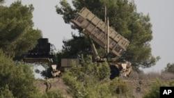 Un soldado israelí custodia una batería de misiles Patriot enclavada en Mt. Carmel, en el norte de Israel.