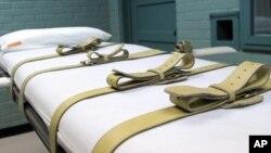 A los condenados a muerte en la prisión de Huntsville, Texas, se les amarra sobre esta camilla para aplicarles una inyección letal.