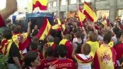 Barcelone: manifestation des anti-indépendantistes (vidéo)