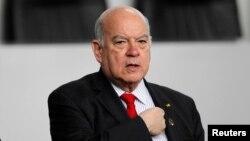 José Miguel Insulza subrayó que por más críticas que reciba la OEA no actuará en Venezuela.