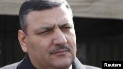 """Riyad Hijab huyó a Jordania con su familia, según un portavoz del ex primer ministro, alegando que se está produciendo un """"genocidio"""" en Siria."""