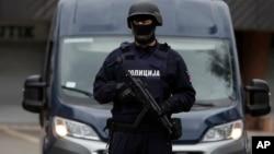 Arhiva - Policija Srbije (Foto: AP, Darko Vojnović)