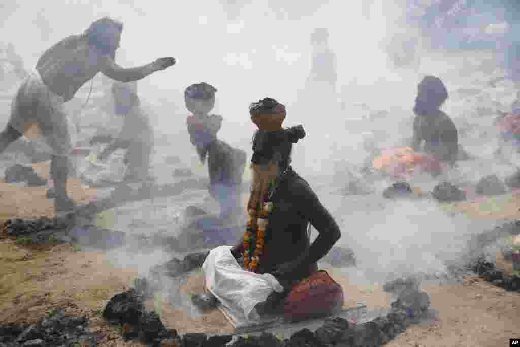 Hindistan - Allahabadda hinduların Mag Mela dini mərasimi