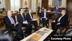 El secretario general de la OEA, José Miguel Insulza, recibió al viceministro de Defensa de Colombia, Jorge Enrique Bedoya (Foto: OEA).