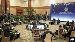 東盟領導人會議。