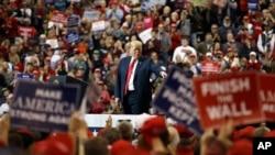Tổng thống Trump vận động cho Đảng Cộng hòa ở Cleveland, Ohio