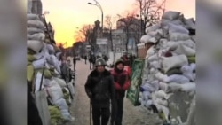 Protesters Reinforce Barricades As Ukraine Talks Break Down