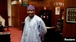 Ketua Majelis Nasional dan mantan perdana menteri Niger Hama Amadou di kantornya di Niamey (Foto: dok).