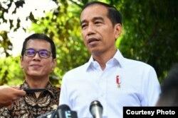 Presiden Joko Widodo memberikan keterangan pers usai menghadiri acara Pentas #PrestasiTanpaKorupsi di SMK Negeri 57 Jakarta, Pasar Minggu, Jakarta Selatan, Senin (9/12) (Biro Pers)