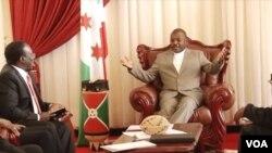 Rais wa Burundi Piere Nkurunzinza akikutana na mawaziri wa Afrika Mashariki