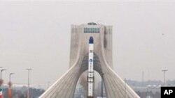پرتاب دو راکت جدید و دو ماهواره به فضا توسط ایران