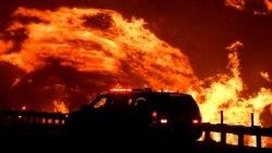 Les incendies dans le nord et le sud de la Californie forcent l'évacuation d'au moins 50 000 personnes