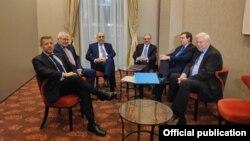 Azərbaycan və Ermənistan xarici işlər nazirləri görüşüb