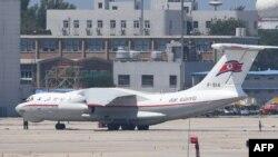지난해 6월 북한 고려항공 여객기가 중국 베이징 공항 활주로에 대기 중이다.