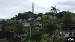 台湾台北宝藏严村落内房舍 (美国之音记者申华 拍摄)