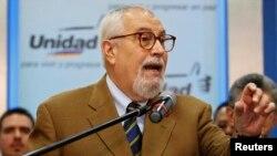 Ramón Guillermo Aveledo, secretario ejecutivo de la MUD fue ratificado en su cargo.