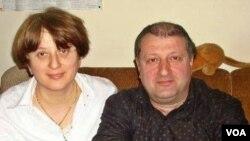 სოსლან კაკაბაძე მეუღლესთან ერთად