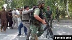 د پاکستان پوځیانو په موټروی پولیس تشدد کړی دی