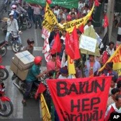 东盟曼谷峰会期间示威者上街抗议东盟接纳缅甸(1995年12月15日)