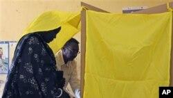 南蘇丹選民為公投投票。