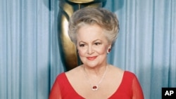 L'actrice Olivia de Havilland aux Oscars à Los Angeles, le 11 avril 1988. (Photo AP)