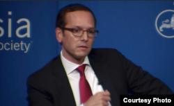 埃文·梅迪罗斯,美国欧亚集团主管亚洲事务的董事总经理和业务主管(2015年9月23日,美国亚洲协会提供 )