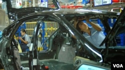 About 2.5 million cars and trucks will be built in Thailand in 2013. (S.L. Herman/VOA)