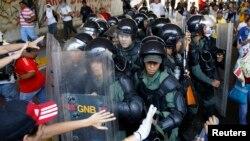 Human Rights Watch dice que en Venezuela ha habido uso desmedido de la fuerza por parte de las autoridades.