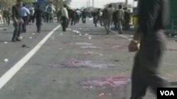 Pasukan keamanan mengamankan lokasi pemboman di salah satu masjid di propinsi Sistan-Baluchestan.