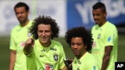 지난해 7월 브라질 월드컵에 출전한 브라질 대표팀 선수들이 독일과의 4강전을 앞두고 훈련 중이다. (자료사진)