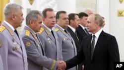 Президент Владимир Путин на встрече с руководством министерства обороны РФ. 6 ноября 2019.