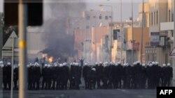 Bahreyn'de Yüzlerce Kişi Demokrasi Gösterisi Yaptı