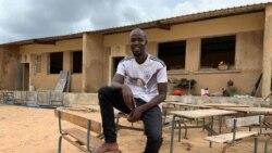 Un enseignant sénégalais motive la communauté à nettoyer les écoles