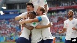 Tuyển Anh vui mừng sau cú ghi bàn thứ tư trong trận gặp Panama.