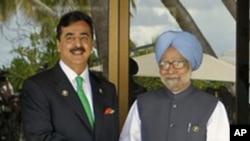 파키스탄의 유수프 길라니 총리(좌), 인도 만모한 싱 총리(우)
