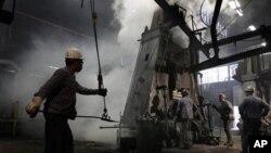 Fábrica de acero en Cleveland, Ohio. Las solicitudes de desempleo cayeron al nivel más bájo en los últimos cuatro años.