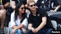 El príncipe Harry junto a su prometida, la actriz estadounidense Meghan Markle durante un evento de los Juegos Invictus enToronto, Canadá, el 25 de septiembre de 2017.
